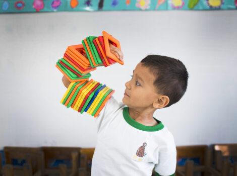 Transiciones de movimiento como estrategia de aprendizaje infantil